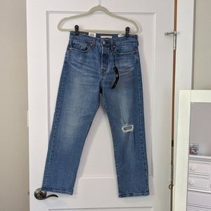 NWT Levi's High-Rise Wedgie Straight Jeans Size 28